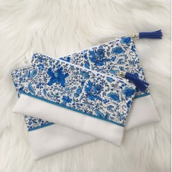 Pochette Blanche Fleurs Bleues